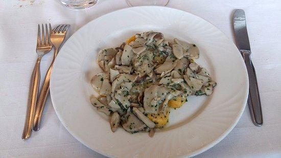Леса, Италия: Funghi e polenta