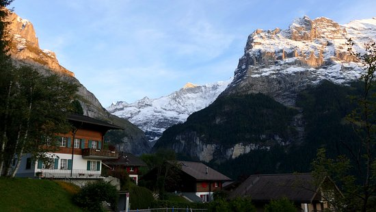 Hotel Alpenhof Grindelwald : View from our room