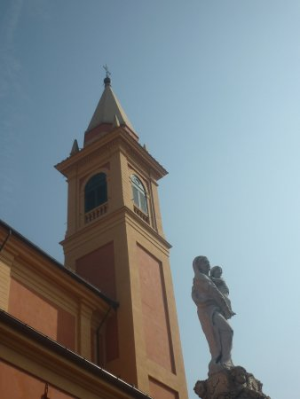 Castelfranco Emilia, Italy: col campanile della chiesa