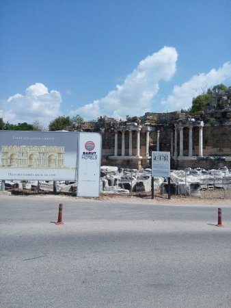 Monumental Fountain (Nymphaeum) (Side, Turecko) - Recenzie