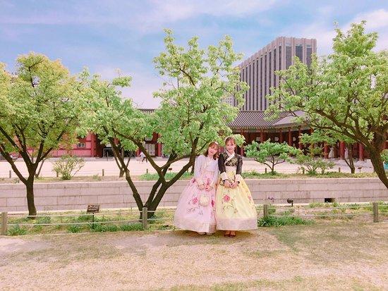 DoryeongAssi Hanbok Rental
