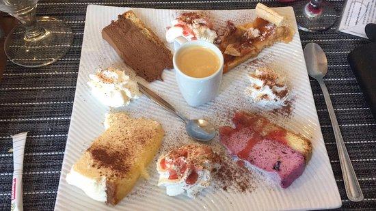 Moirans, France: Café gourmand .... trop bon!