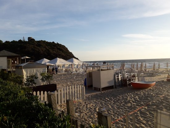 Matrimonio Sulla Spiaggia Gaeta : Gazebi esterno picture of ristorante lido ariana gaeta