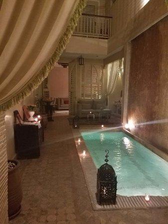 Riad Cocoon: Pool inside the riad