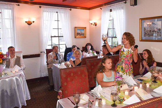 Old City House Inn and Restaurant: Plenty of room for a quaint wedding reception.