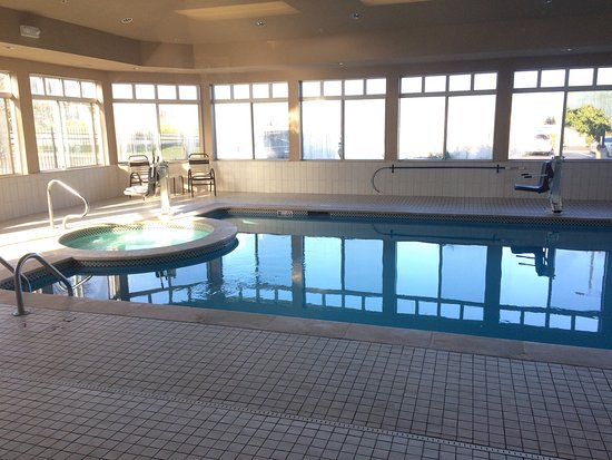 Grandview, MO: Indoor Pool