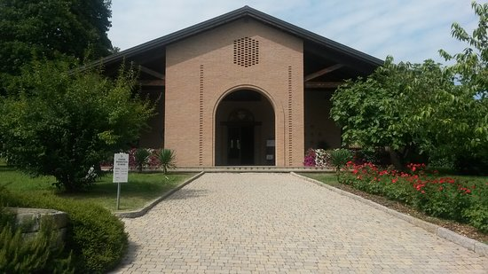 Magnano, Italien: Chiesa