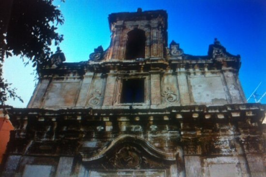 Aragona, Italia: Prospetto superiore della facciata principale .