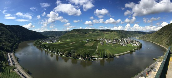 Stunning View of Beilstein and the Mosel