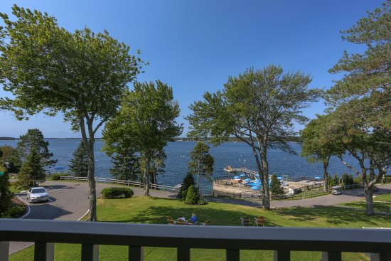 Spruce Point Inn Resort and Spa: The Lodges at Spruce Point Inn