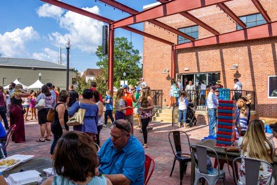 LaGrange, GA: Wild Leap Courtyard