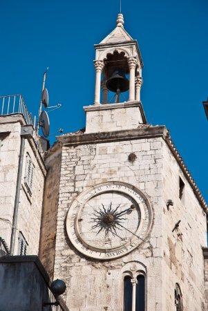 City Clock : Reloj con estera de 24 horas.