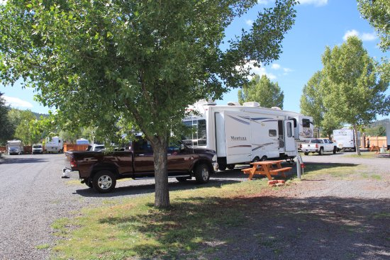Railside RV Ranch: Nice sized, level sites.