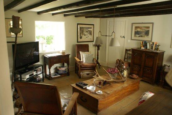 Guyzance, UK: Gedeelde woonkamer (met de enige andere kamer)