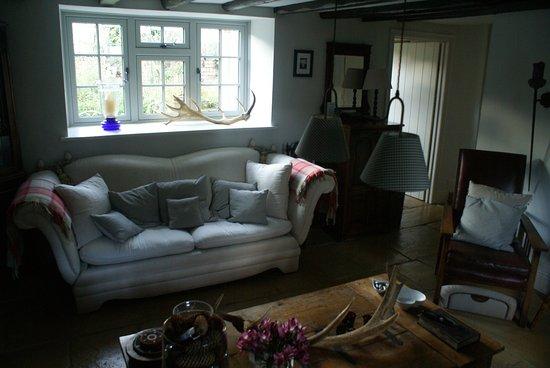 Guyzance, UK: gedeelde woonkamer vanuit andere hoek
