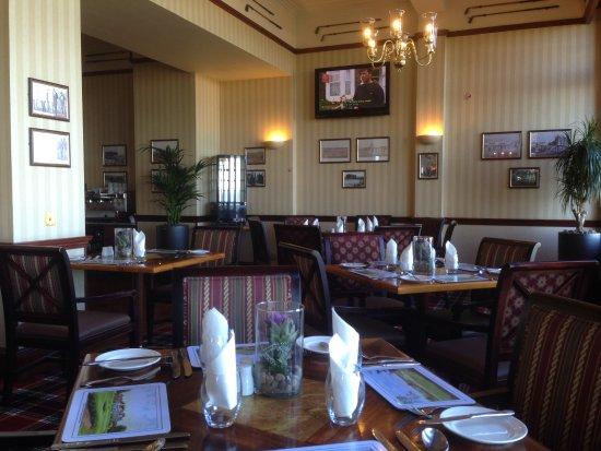Best Western Scores Hotel: dining
