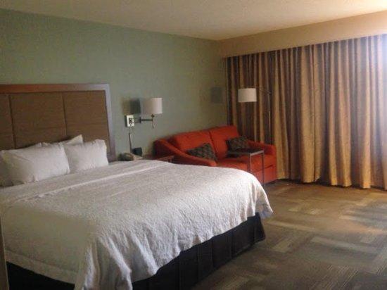 Saint Ann, MO: Room