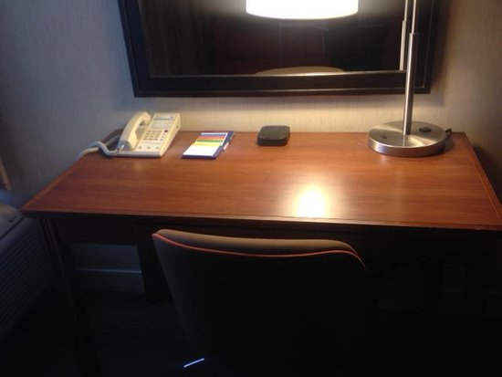 Saint Ann, MO: Plenty of outlets on the desk and in the room.