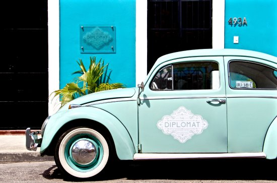 The Diplomat | Street Parking (281961922)