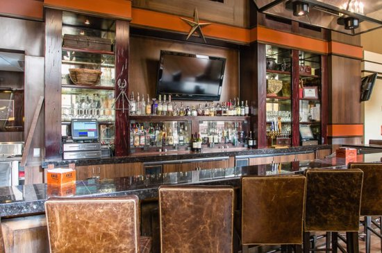Pecan Grill at the Overton Hotel: Bar