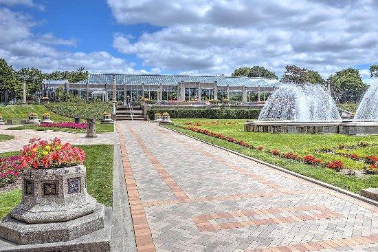 Garfield Park Conservatory & Sunken Garden