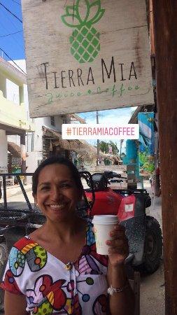 ierra Mia Juice & Coffee: Llegamos por casualidad y encontramos excelente café