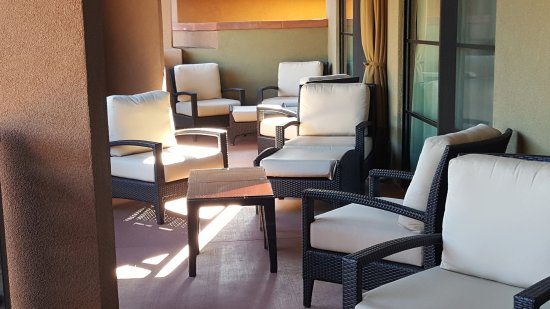Sedona Rouge Hotel and Spa: our suite had 10 very comfortable seats on the private patio