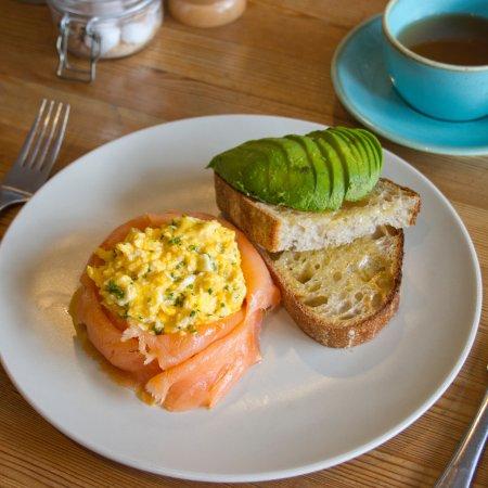 Robinsons Cafe: Smoked Salmon & Scrambled Eggs