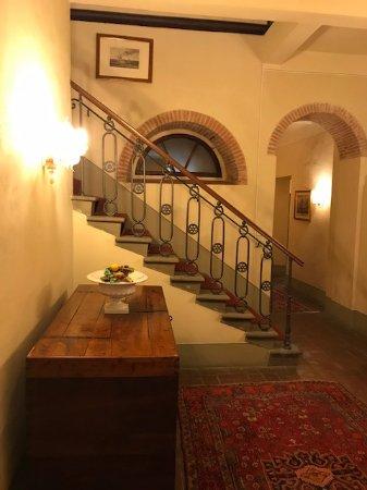 Palazzo Leopoldo Dimora Storica & Spa: Main Lobby Staircase up to room.