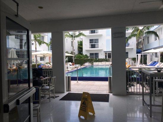 Pestana Miami South Beach: bar piscina