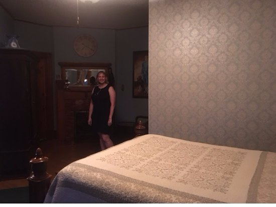 Historic Hutchinson House B&B: Dr Haessler's Room