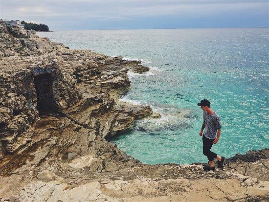 Splendid Golden Rocks Resort: photo1.jpg