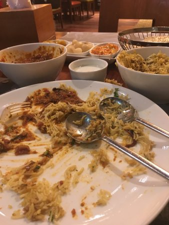 Indira Indian Restaurant : بصراحه مستوى المطعم ممتاز جداا عكس توقعاتي ، انصح به زوار القاهره