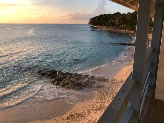 Holetown, Barbados: Beachfront room view discovery bay room 305