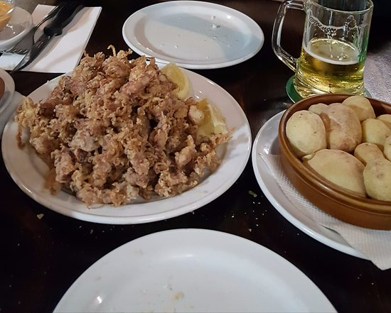 Avenida Restaurante: Calamares fritos.