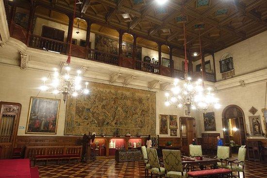 Museo Nacional De Arte Decorativo: This house is more like a palace