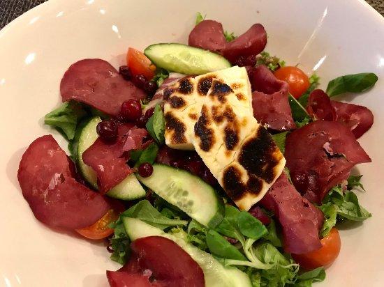 กะยานี่, ฟินแลนด์: Smoked Reindeer Salad