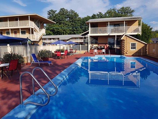 Travelodge South Burlington: Pool