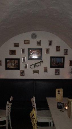 Bahama Bar & Restaurant