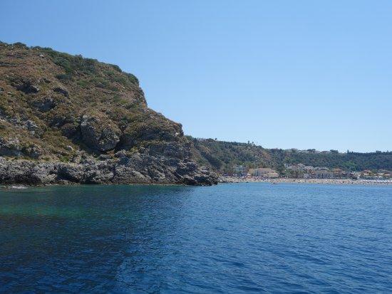 Milazzo Coast to Coast: Blick auf den Spiaggia di ponente, lido la tonnara