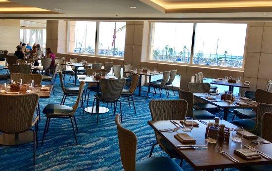 100 Sails Restaurant & Bar: Beautiful interior