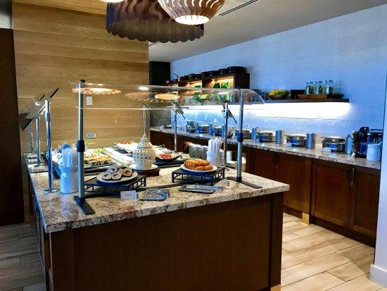 100 Sails Restaurant & Bar: Sushi