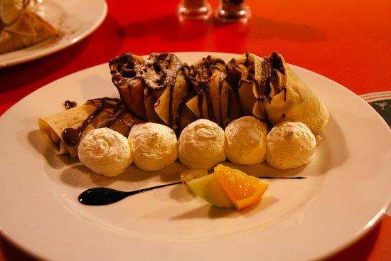 Bank3: banana, nutella and whipped cream pancake!