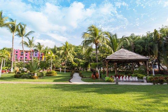 Decameron los cocos updated 2017 hotel reviews price for Hotel luxury rincon de guayabitos