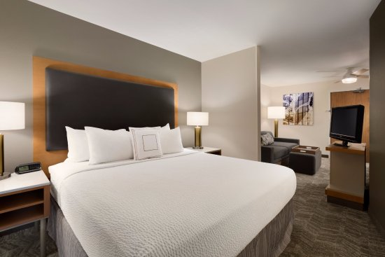 SpringHill Suites Phoenix North: King Studio Suite with separate living area