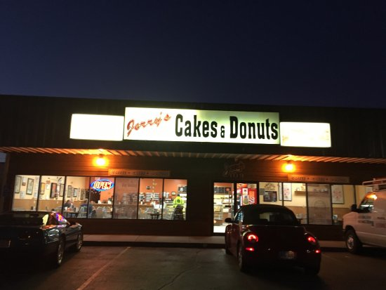 Jerry S Cakes And Donuts Hours