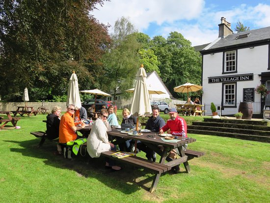 A group lunch stop at The Village Inn - Arrochar (02/Sept/17).