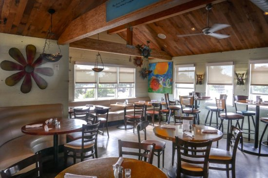Solana Beach, CA: Cozy cottage-style restaurant serving your favorite dishes!