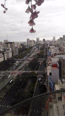 Panamericano Buenos Aires Hotel: vista desde la terraza, piso 23, de av 9 de julio