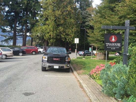 Teahouse in Stanley Park: La entrada
